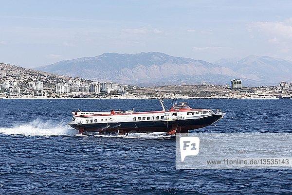 Tragflächenboot  Fähre  Saranda  Ionisches Meer  Albanien  Europa