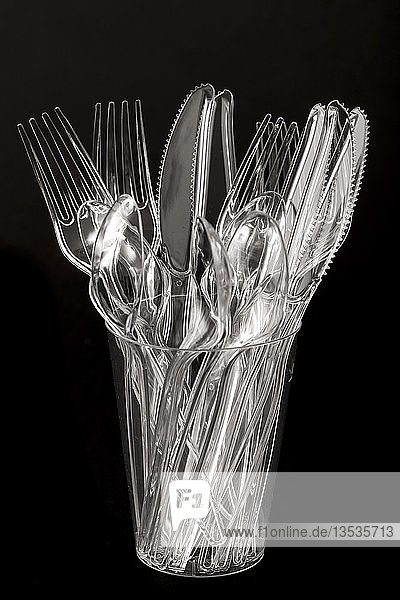 Plastikbesteck  Einwegbesteck  Messer  Gabeln  Löffel  Plastikmüll  transparent  durchsichtig