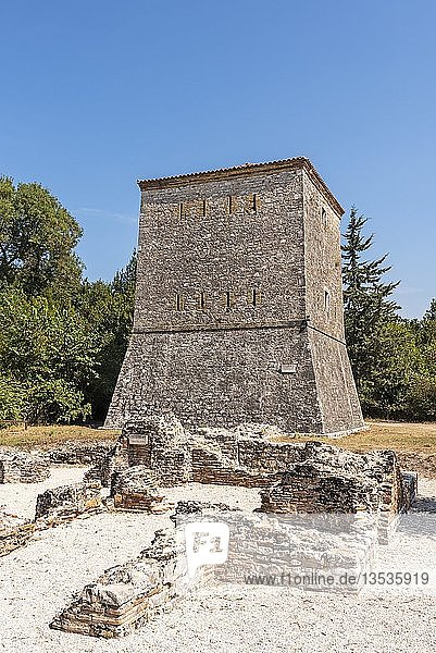 Venezianischer Wachturm  antike Stadt Butrint  Nationalpark Butrint  Saranda  Albanien  Europa