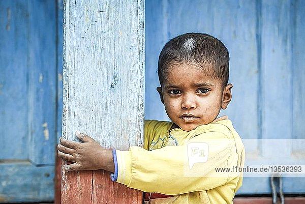 Kind  Junge  Bandipur  Nepal  Asien