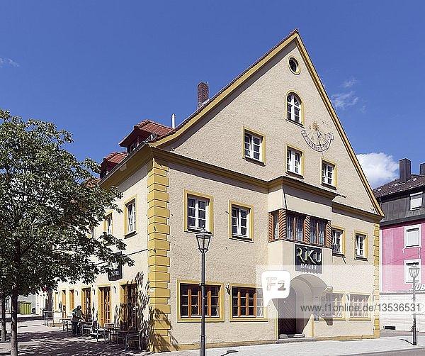 Historisches Wohn- und Handelshaus am Hallhof  heute Hotel  Memmingen  Schwaben  Bayern  Deutschland  Europa
