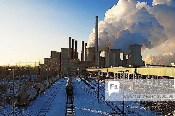 Braunkohlekraftwerk Neurath  Grevenbroich  Nordrhein-Westfalen  Deutschland  Europa