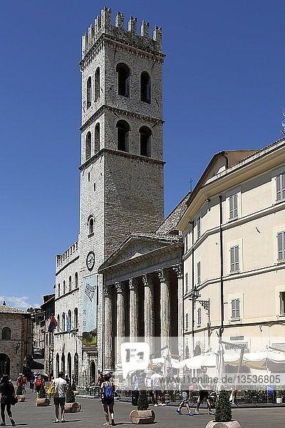 Kirche Santa Maria sopra Minerva  Piazza del Comune  Assisi  Umbrien  Italien  Europa