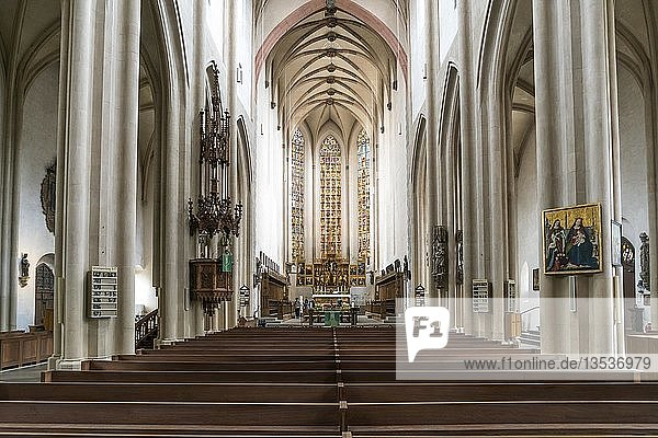 Inneraum der evangelisch-lutherischen Stadtpfarrkirche St. Jakob in Rothenburg ob der Tauber  Bayern  Deutschland  Europa