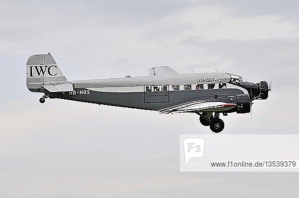 Passagier- und Transportflugzeug Junkers Ju-52  Europas großes Oldtimer-Fliegertreffen auf der Hahnweide  Kirchheim-Teck  Baden-Württemberg  Deutschland  Europa