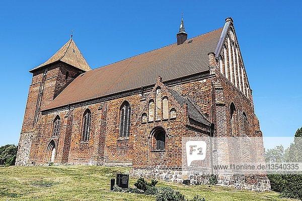 Dorfkirche  Backsteinbau  Tarnow  Mecklenburg-Vorpommern  Deutschland  Europa