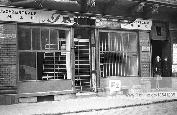 Schließung der Läden der Tauschzentrale  1947  Leipzig  Sachsen  DDR  Deutschland  Europa