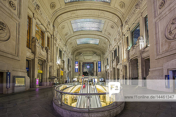 View of interior of Milan Central Station at dusk  Milan  Lombardy  Italy