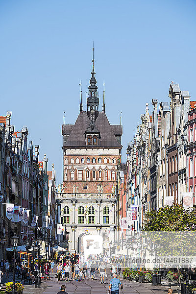 Hanseatic League houses in the pedestrian zone with the main gate of Gdansk. Poland