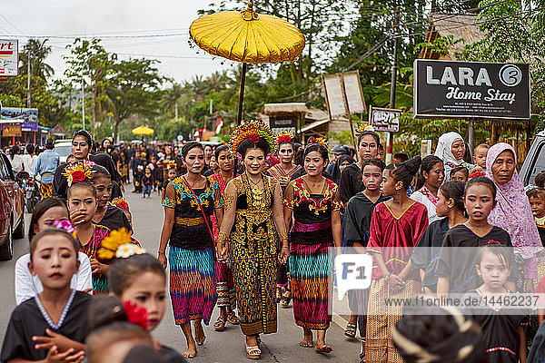 Bride at a Traditional Sasak wedding procession  Lombok  Indonesia  Southeast Asia