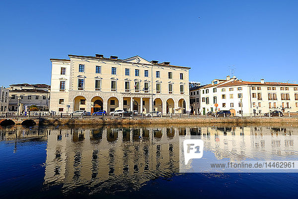 The University headquarters in Treviso  Riviera Garibaldi  Sile River  Treviso  Veneto  Italy