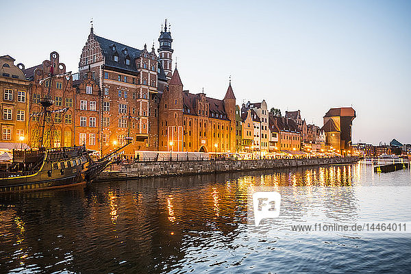 Hanseatic League houses on the Motlawa River at sunset  Gdansk  Poland