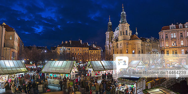 Church of St. Nicholas and Christmas Markets  Staromestske namesti (Old Town Square)  Stare Mesto (Old Town)  UNESCO World Heritage Site  Prague  Czech Republic  Europe