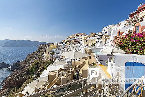 View of Oia village  Santorini  Cyclades  Aegean Islands  Greek Islands  Greece  Europe