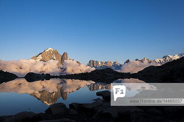 Lac Blanc on the Tour du Mont Blanc trekking route in the French Alps  Haute Savoie  Auvergne-Rhone-Alpes  France