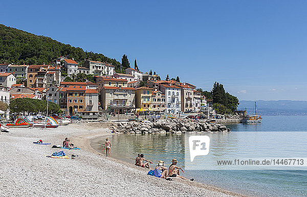 Kroatien  Istrien  Adria  Kvarner-Golf  Moscenicka Draga  Strand