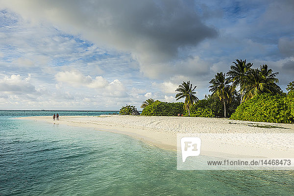 Malediven  Ari Atoll  Nalaguraidhoo  Sonneninsel