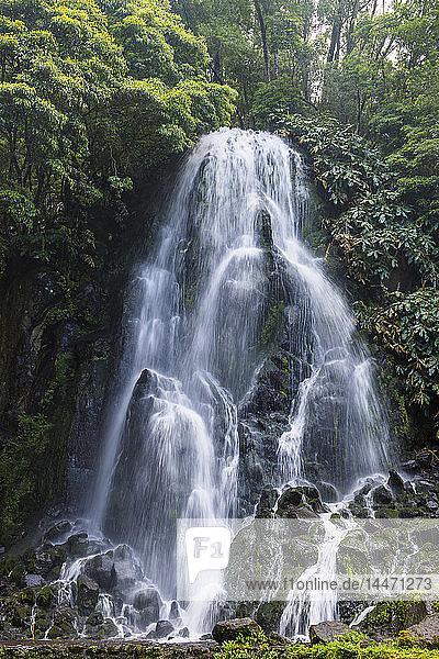 Portugal  Azoren  Sao Miguel  Achada-Wasserfall in Achada