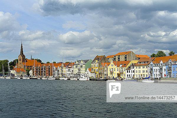 Dänemark  Jütland  Sonderborg  Blick auf den Stadthafen