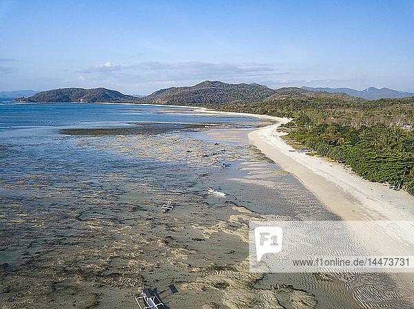 Indonesien  West-Sumbawa  Luftaufnahme des Strandes von Jelengah  Surfstrand am Scar-Riff