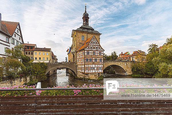 Deutschland  Bayern  Bamberg  Altes Rathaus  Obere Brücke und Regnitz
