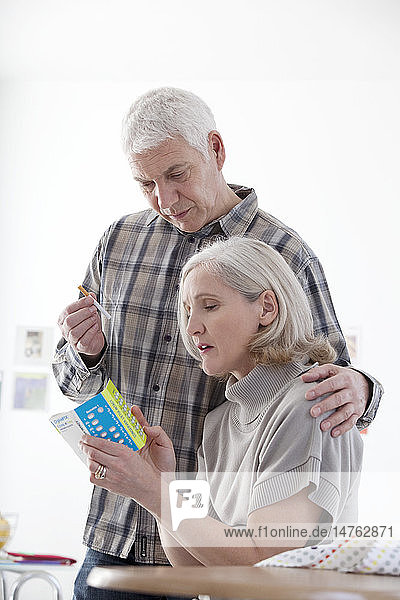 SMOKING TREATMENT ELDERLY PERSON