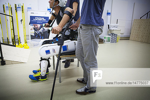 Varileg will take part in the Cybathlon by proposing an exoskeleton. One of the two paraplegic drivers can be seen training here.