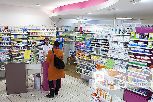 INTERIOR OF A CHEMIST´S SHOP