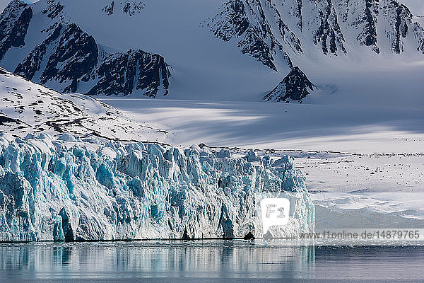 Lilliehook Glacier  Spitsbergen  Svalbard  Norway