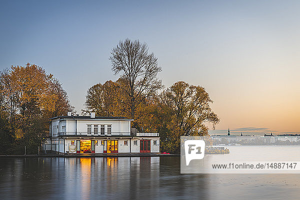 Germany  Hamburg  Outer Alster Lake  rowing clubhouse in autumn