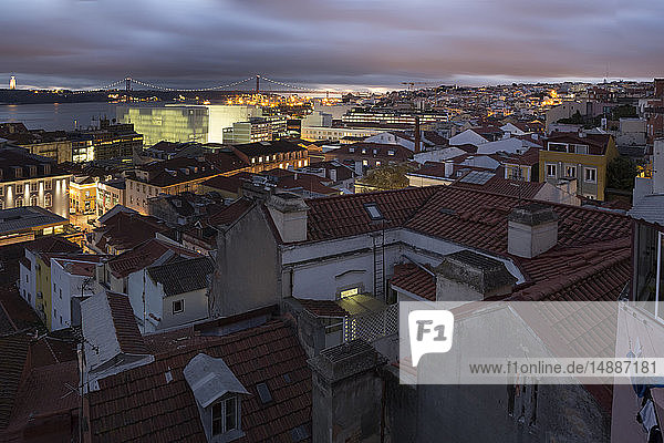 Portugal  Lisbon  View to Tagus River in the evening  seen from Baixa