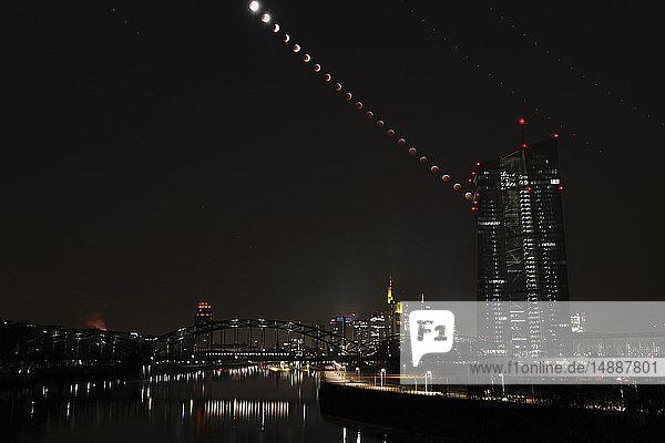 Deutschland  Frankfurt am Main  zusammengesetzte Sequenz von Total Lunar mit Europäischer Zentralbank