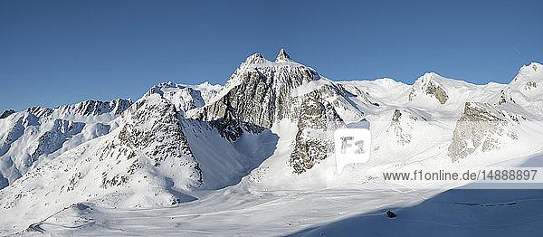 Switzerland  Great St Bernard Pass  Pain de Sucre  Mont Fourchon  winter landscape in the mountains