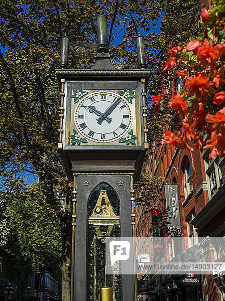 Gastown steam clock; Vancouver  British Columbia  Canada
