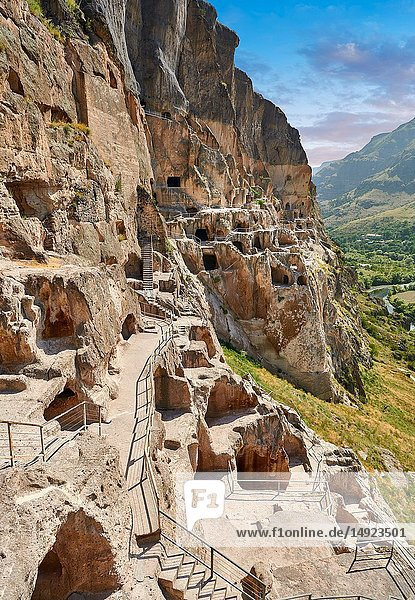 Picture & image of Vardzia medieval cave city and monastery,  Erusheti Mountain,  southern Georgia (country).