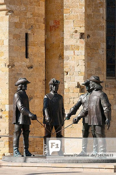 France  Gers (32)  Town of Condom on the way of Saint Jacques de Compostelle  D'Artagnan and 3 musketeers statues from Zurab Tsereteli