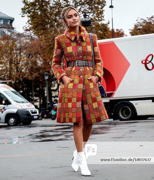PARIS  France- October 2 2018: Sarah Ellen on the street during the Paris Fashion Week.