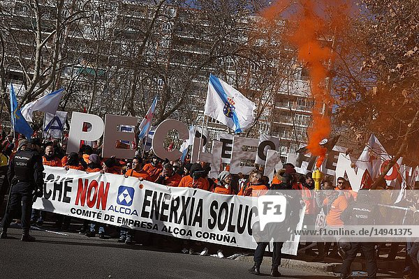 Concentration convened by Alcoa workers in Madrid  to demand measures from the Government that prevent the definitive closure of the factories. The concentration took place in front of the Ministry of Industry  Commerce and Tourism  on Jan 8  2019 in Madrid  Spain