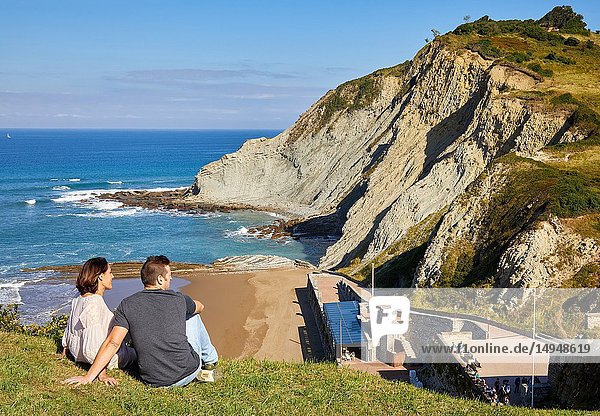 Guide with tourists  Tour  Flysch  Zumaia  Basque Country  Spain  Europe