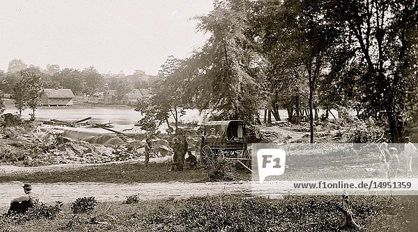 Petersburg  Virginia (vicinity)]. View of James river and photographic wagon of Engineer Corps