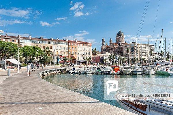 Promenade  Saint-Raphael  Var  Provence-Alpes-Cote d`Azur  France  Europe.