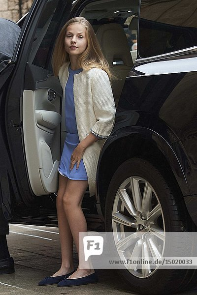 King Felipe VI of Spain  Crown Princess Leonor arrive for the Easter Mass at Cathedral of Palma de Mallorca on April 21  2019 in Palma  Spain