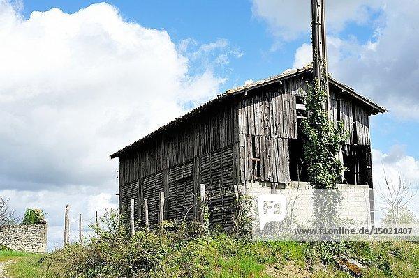 Old tobacco barn  Monbahus  Lot-et-Garonne Department  Nouvelle-Aquitaine  France.