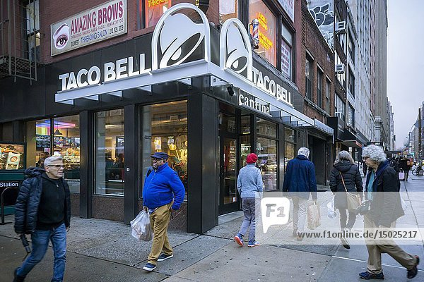 New York NY/USA-December 21  2018 A spanking brand new Taco Bell Cantina franchise in the Chelsea neighborhood of New York on Friday  December 21  2018. Taco Bell is opening smaller format Cantina and Urban In-Line restaurants throughout New York City with amenities such as wi-fi and local artwork with the Cantinas serving alcohol. (© Richard B. Levine).
