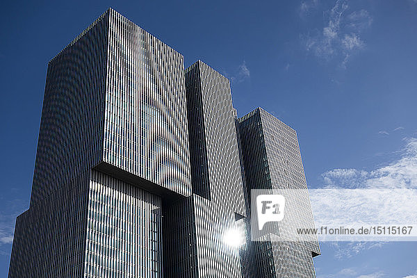 Glasfront eines Bürogebäudes  Rotterdam  Niederlande