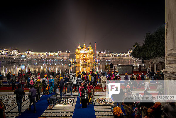 The Golden Temple at night  Amritsar  Punjab  India  Asia