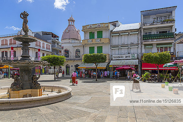 View of Spice Market Square and fountain  Pointe-a-Pitre  Guadeloupe  French Antilles  West Indies  Caribbean  Central America