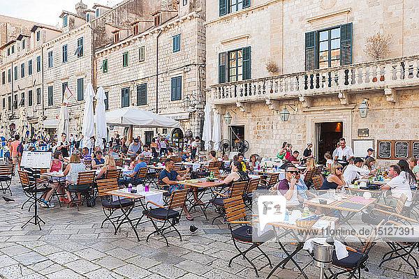 Restaurants in the old town  UNESCO World Heritage Site  Dubrovnik  Croatia  Europe