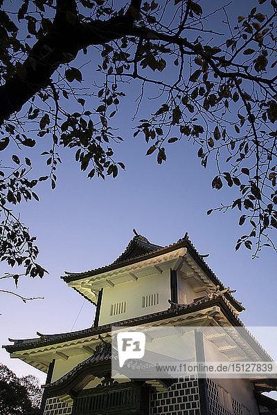 An entrance gate to the grounds of Kanazawa castle at dusk  Kanazawa  Ishigawa  Japan  Asia