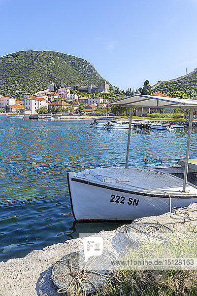 View of small harbour boats and restaurants in Mali Ston  Dubrovnik Riviera  Croatia  Europe